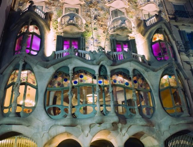 Casa Batllo – Gaudi's enchanting masterpiece